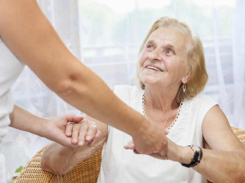 Как да се настроим емоционално за преместването в старчески дом